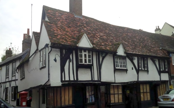 Bridge loan for acquisition of restaurant with planning for residential, and retail space, Eton Windsor
